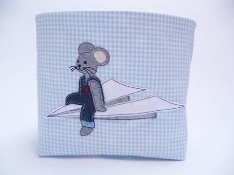 Stickdatei Maus mit Papierflieger Doodle 13x18 bei Makerist sofort runterladen