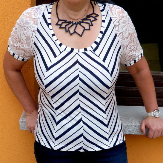 Télécharger T-shirt Orchid - Patrons de couture tout de suite sur Makerist