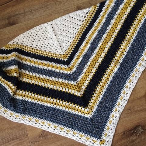 Download Crochet shawl pattern Norfolk Stripes immediately at Makerist