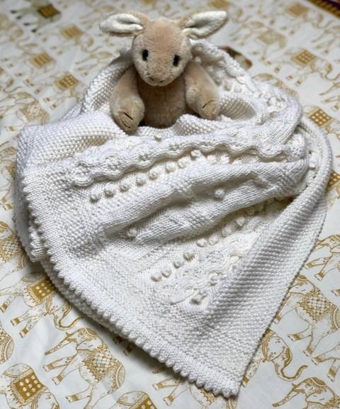 Download Bobble Bunny Baby Blanket knitting pattern immediately at Makerist