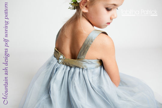 Download Allegra Summer Dress Sewing Pattern in Girls Sizes 0000-10 - Sewing Patterns immediately at Makerist