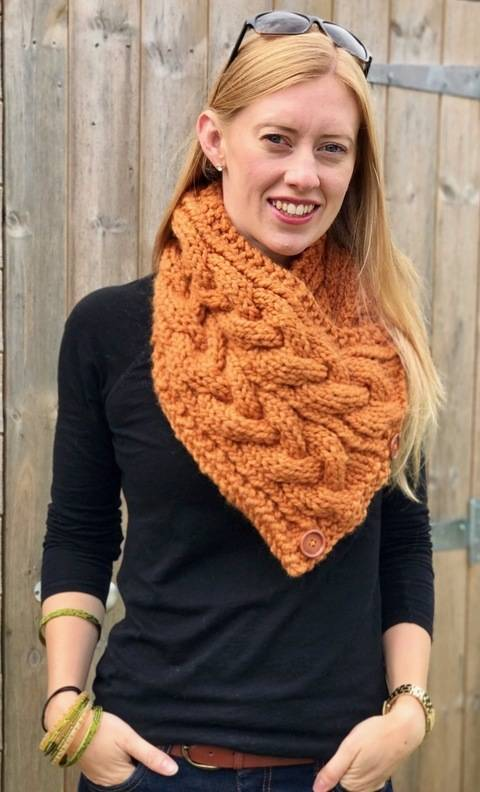 Download Eirene Cable Neck Warmer / Triangular Scarf Knitting Pattern immediately at Makerist
