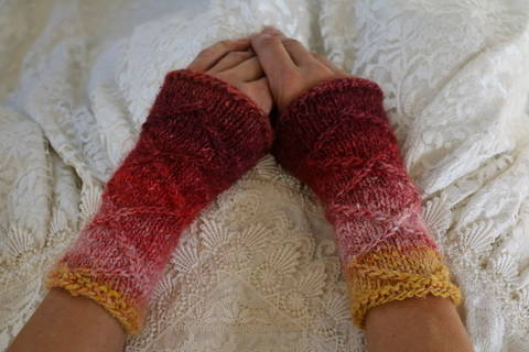 Download Whatever Wrist Warmers - knitting pattern immediately at Makerist