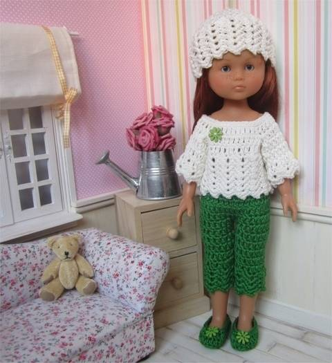Download Spring : crochet outfit for 32-33cm doll immediately at Makerist