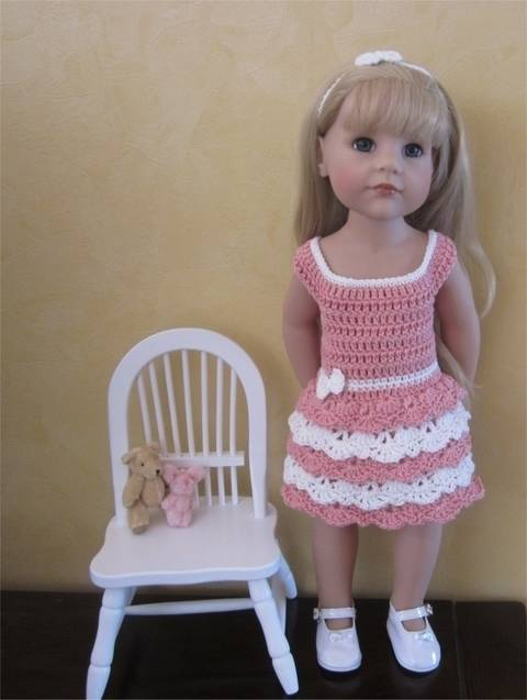 Download Lace and ruffles: crochet outfit for 50 cm doll immediately at Makerist
