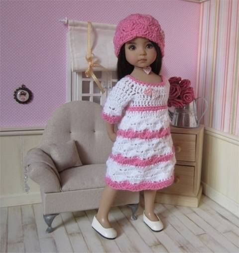 Download Small hearts : crochet outfit for Little Darling Effner Doll immediately at Makerist