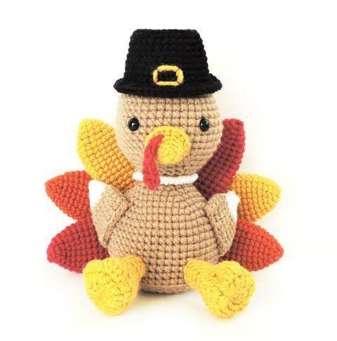 Download Amigurumi Thanksgiving Turkey - Crochet Pattern immediately at Makerist