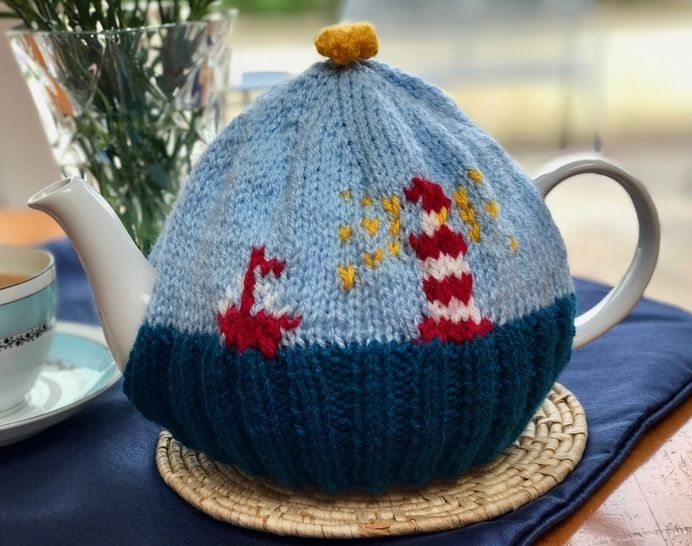 Download Lighthouse Tea Cosy Knitting Pattern - Knitting Patterns immediately at Makerist