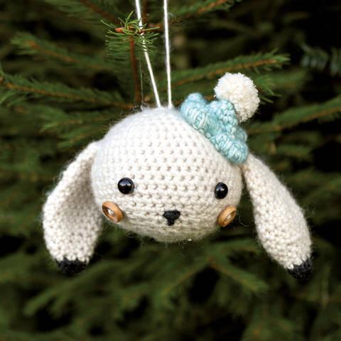 Weihnachtskugel Bella der Schneehase - Häkelanleitung  bei Makerist sofort runterladen