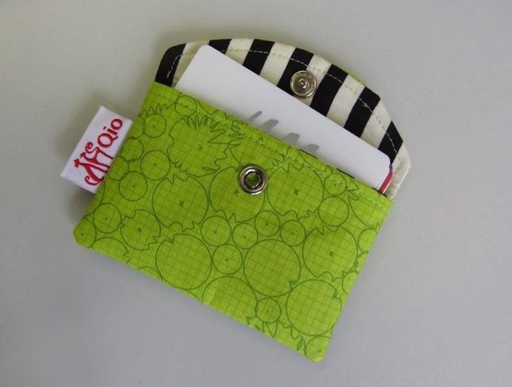 Download Snappy Business Card Pouch - Card Holder sewing bag credit cards - Sewing Patterns immediately at Makerist