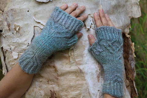 Download Organic Fingerless Gloves immediately at Makerist
