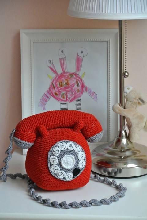 Old-Style-Telefon bei Makerist sofort runterladen