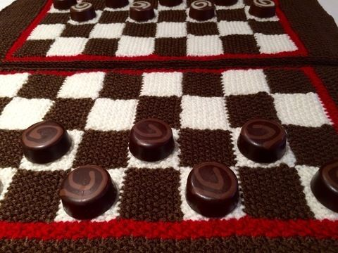 Download Chess or Draughts Placemats Knitting Pattern immediately at Makerist