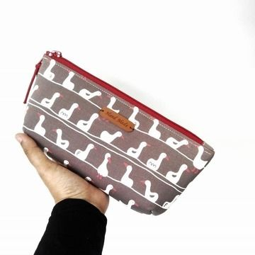 Download Cute and Easy zippered pencil case - very easy to make. Great project for beginners. 60 minutes project ! immediately at Makerist