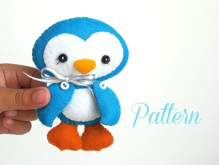 c225a51c818 Download Penguin Christmas Ornament-Sewing Pattern-Felt ornament  immediately at Makerist