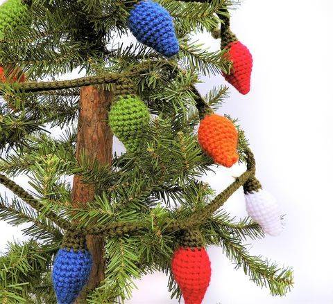 Download Christmas Lights Garland - Crochet Pattern immediately at Makerist