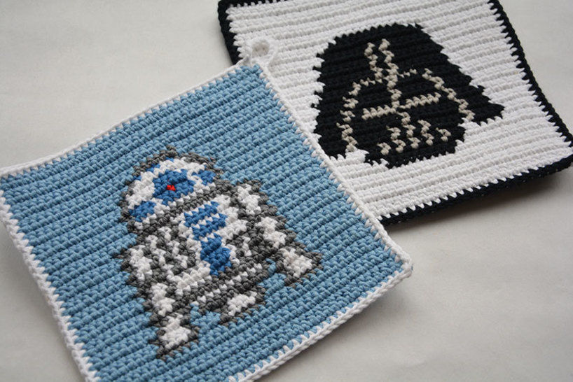 Crochet Pattern Set R2d2 And Darth Vader Potholders For Beginners