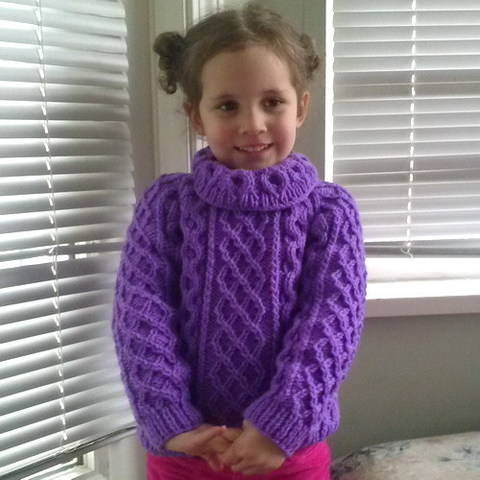 Download Zoe's aran sweater jumper - child knitting pattern immediately at Makerist