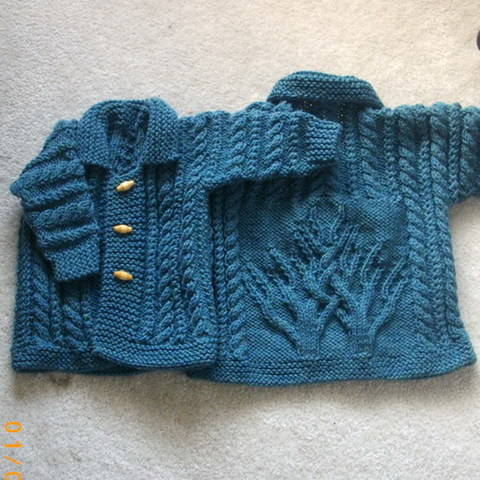 Download Macdara baby and toddler cardigan coat - knitting pattern immediately at Makerist