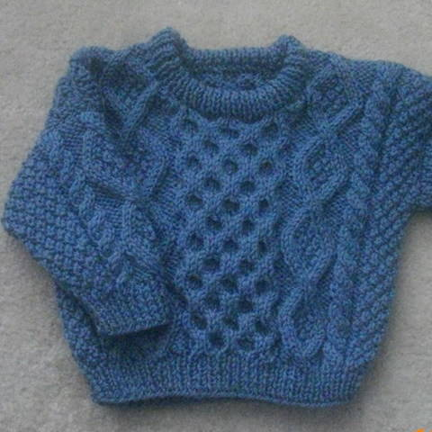 Download Bruadair infant aran sweater - knitting pattern immediately at Makerist