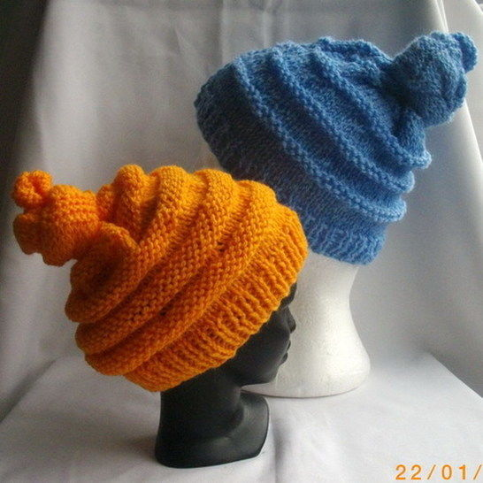 Download Emma's quirky hat for children - knitting pattern immediately at Makerist