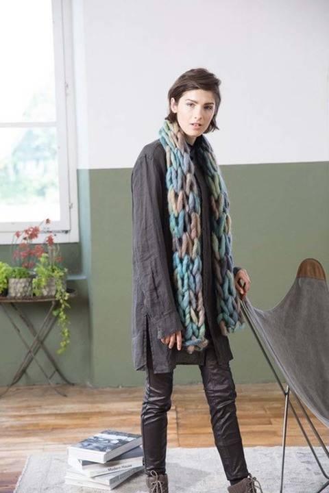 Télécharger Écharpe à tricoter avec les bras  tout de suite sur Makerist
