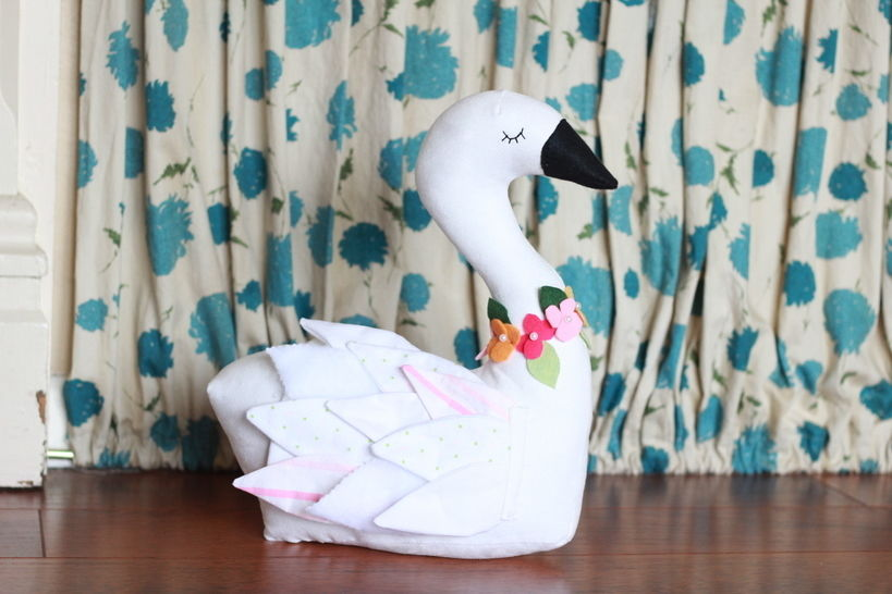 Download Seraphina Swan PDF Sewing Pattern  immediately at Makerist