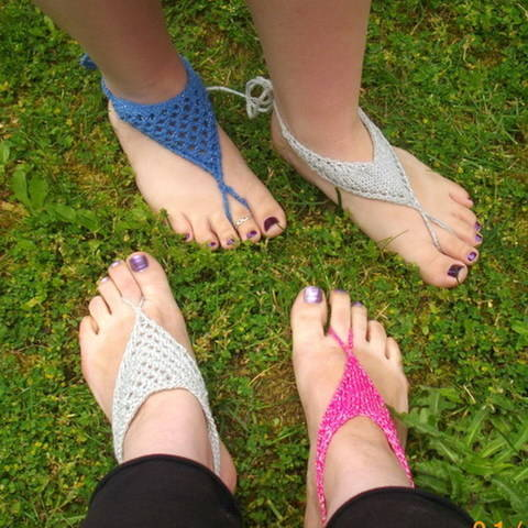 Download Women's barefoot sandals - knitting pattern immediately at Makerist