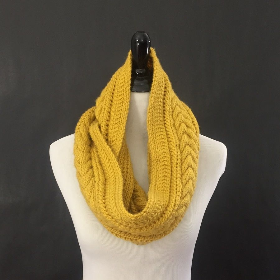 Horseshoe Cable Knit Infinity Scarf Knitting Pattern