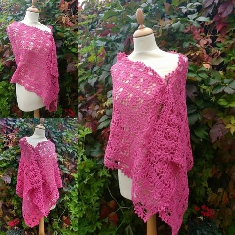 Download Rosy Crochet Wrap Pattern immediately at Makerist