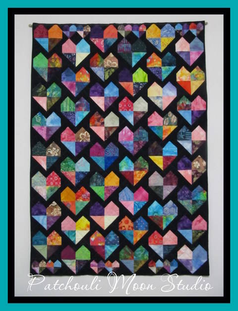 Download Batik Hearts Quilt immediately at Makerist