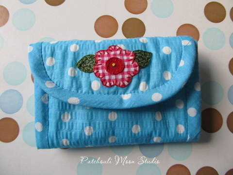 Download Folding Needle Book with Pincushion immediately at Makerist