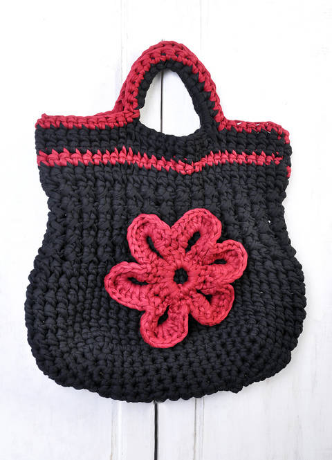 Tasche mit Blume aus Textilgarn häklen bei Makerist sofort runterladen