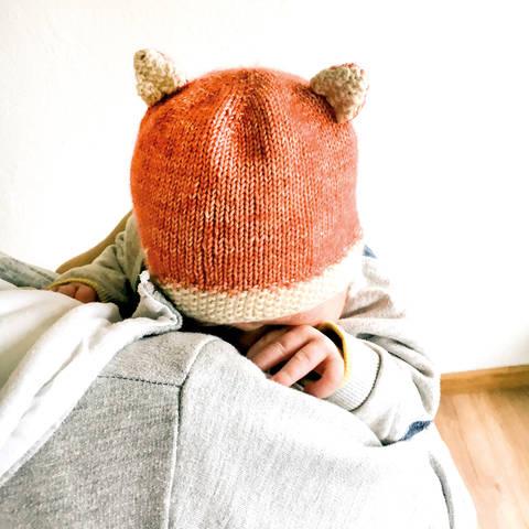 Fuchs Mütze für Neugeborene und Babys Strickanleitung Größe Kopfumfang ca. 35/36 cm bei Makerist sofort runterladen