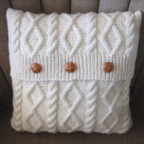"""Download Diamonds and Cable 16""""/40cm cushion cover - PDF KNITTING PATTERN immediately at Makerist"""