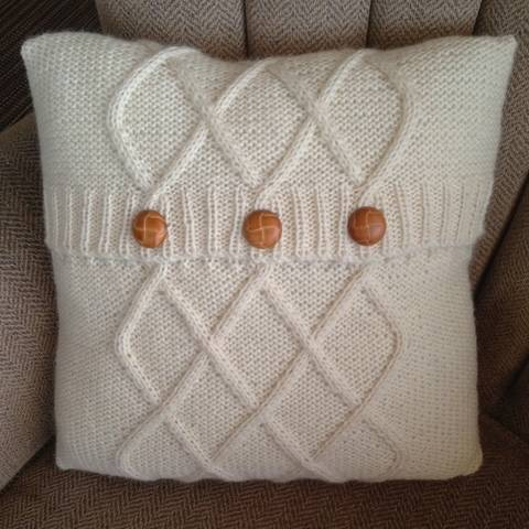 """Download Triple Diamond Cable aran cushion cover in two sizes 12""""x16""""/30x40cm and 16""""/40cm square - PDF KNITTING PATTERN immediately at Makerist"""