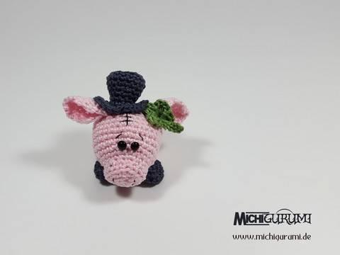 Häkelanleitung: Christbaumkugel Glücksschwein bei Makerist sofort runterladen