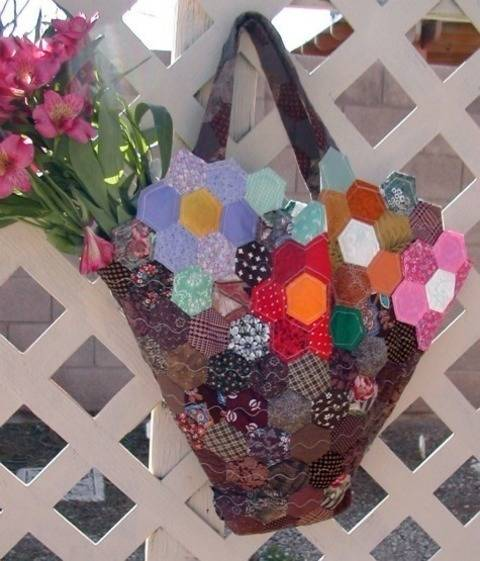 Download Grandmother's Garden Quilted Tote immediately at Makerist