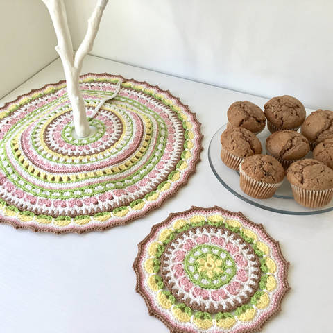 Download Spring Petals Tree Skirt and Mandala - Crochet Patterns immediately at Makerist