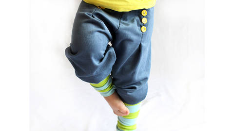 Download Karl Knopf baggy trousers size 2 years up to 14 years immediately at Makerist