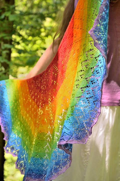 Strickanleitung Soft Rainbow Tuch bei Makerist sofort runterladen