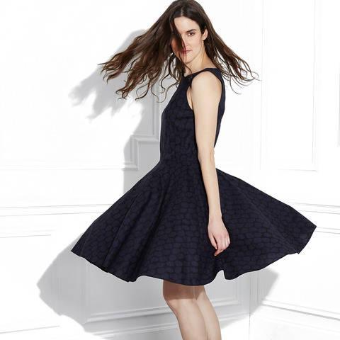 Télécharger Robe Demoiselle - Patron couture - Femmes taille 34 à 46 tout de suite sur Makerist