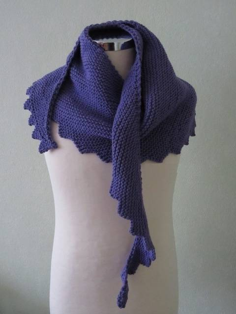 Download Shawl Hanlei - detailed knitting pattern immediately at Makerist