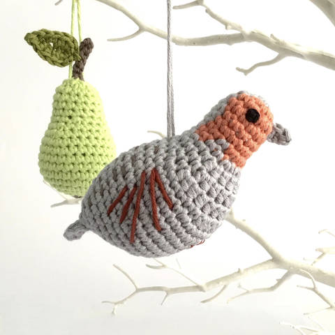 Download Partridge in a Pear Tree Crochet Ornaments immediately at Makerist