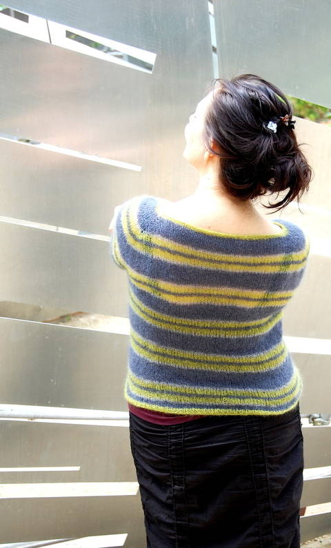 Download Audrey's Stripes cardi or pullover immediately at Makerist