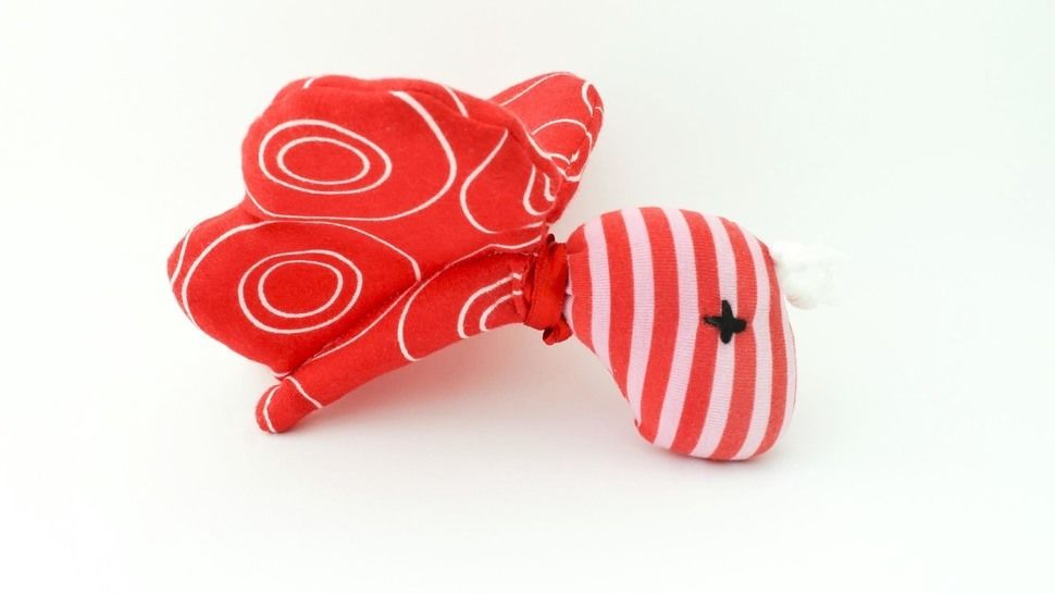 Schnittmuster + Nähanleitung Schmetterling (Babyrassel) - Nähanleitungen bei Makerist sofort runterladen