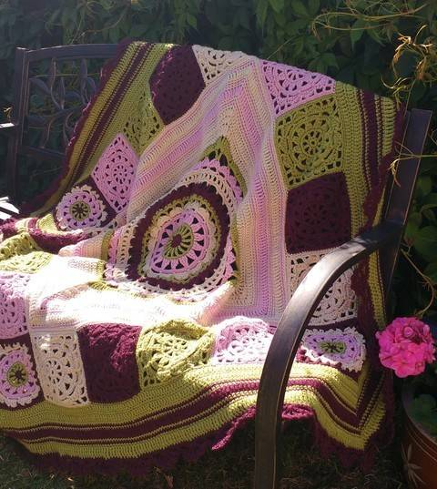 Download Victoria  Vintage Crochet Throw Pattern immediately at Makerist