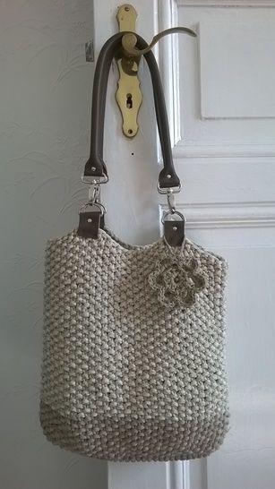 Tasche mit Lederhenkeln - Strickanleitungen bei Makerist sofort runterladen