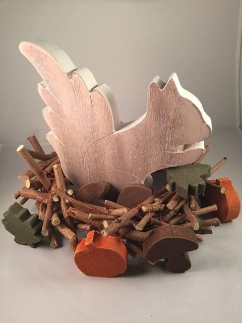 Holzkranz im shabby look - der ultimative Basic Deko-Allrounder für jede Jahreszeit bei Makerist sofort runterladen