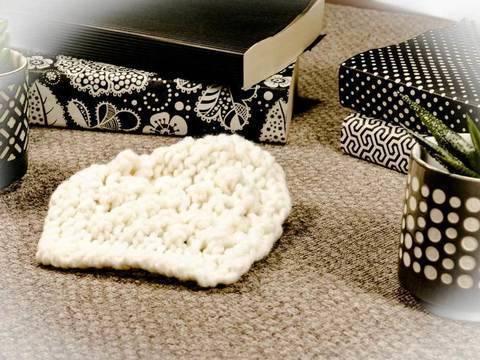 Strickanleitung Karo mit Brombeermuster für deine Sofadecke bei Makerist sofort runterladen